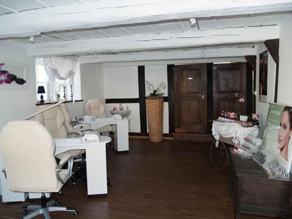 Nagelpflege und Naildesign Kosmetikstudio im Weberhaus
